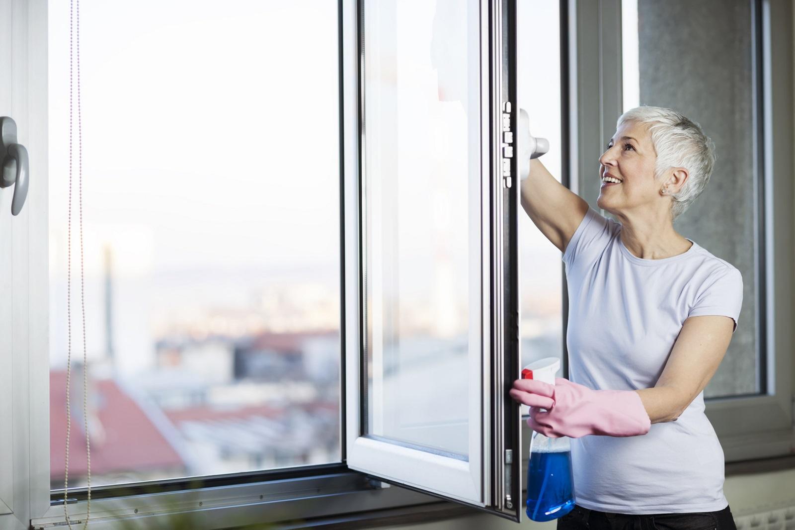 jak dbać o okna pcv